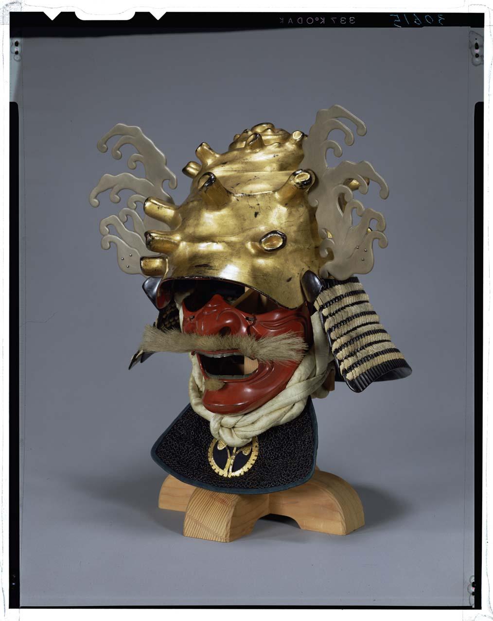 栄螺形兜 画像番号: 東京国立博物館 画像検索